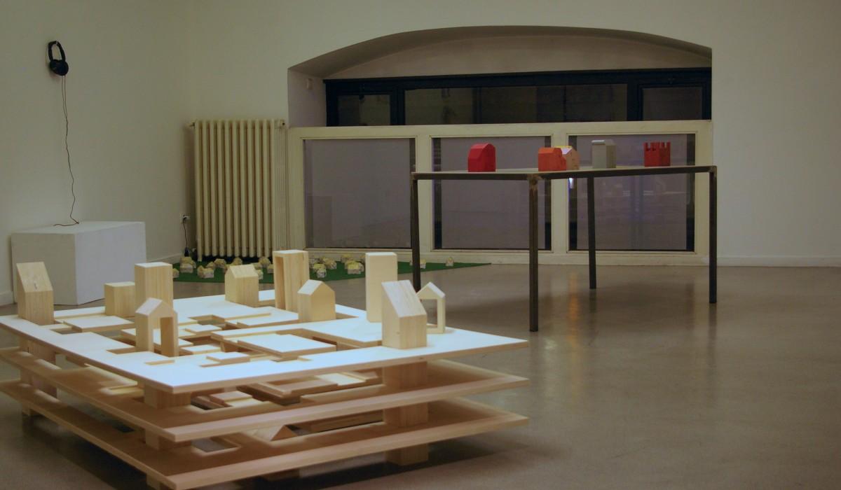 bunk city magali poutoux. Black Bedroom Furniture Sets. Home Design Ideas